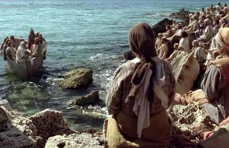 """Oración del jueves: """"Jesús se retiró con sus discípulos a la orilla del mar, y lo siguió mucha gente de Galilea"""""""