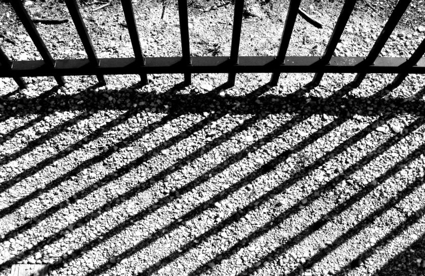 rsz_light-fence-black-and-white-architecture-track-ground-1013096-pxherecom