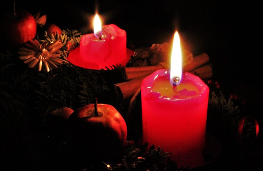 rsz_light-decoration-red-holiday-flame-darkness-340864-pxherecom