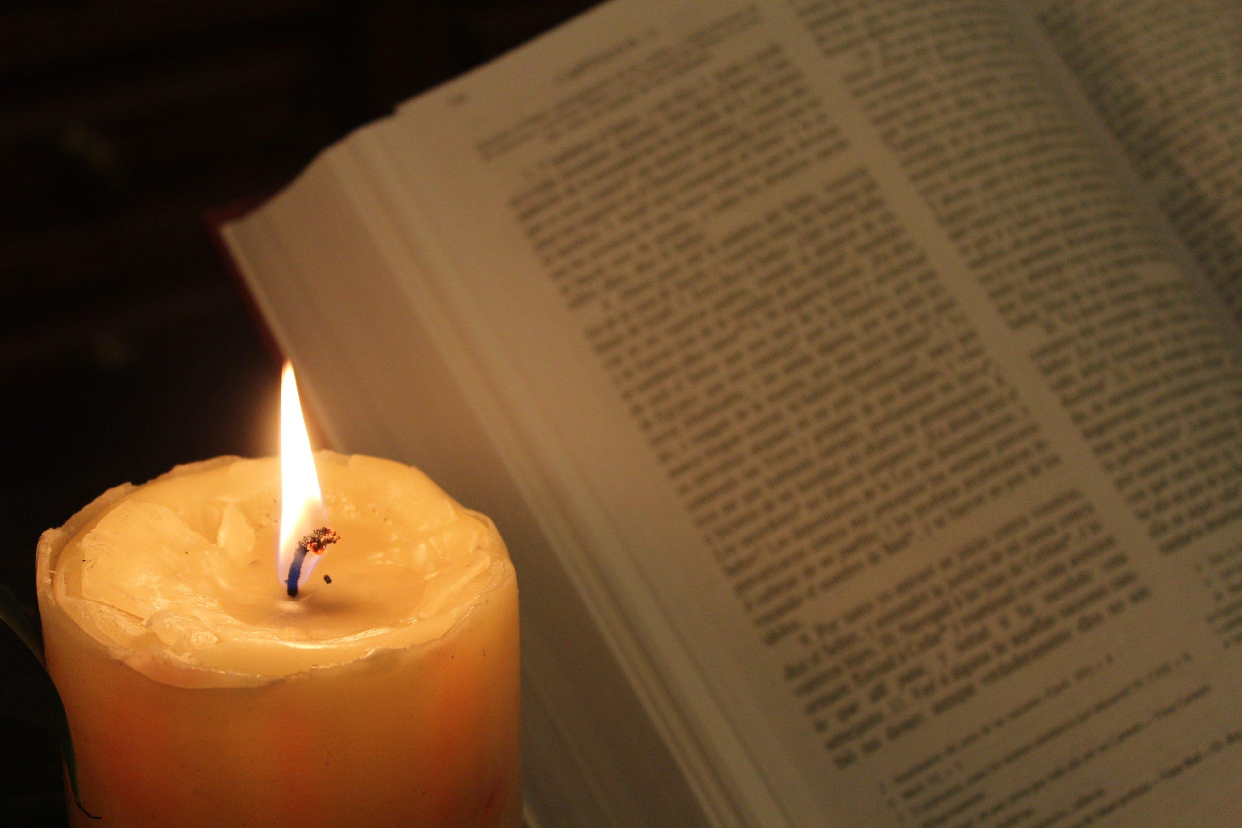 Biblia Escritura Juicio